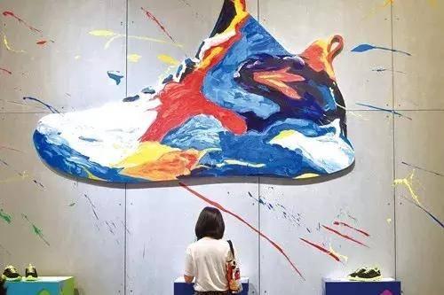 5000条中国古板制鞋生产线,千亿范围的艰难回身 | 变局
