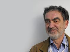 Tomaso Poggio深度学习理论:深度网络「过拟合缺失」的本质