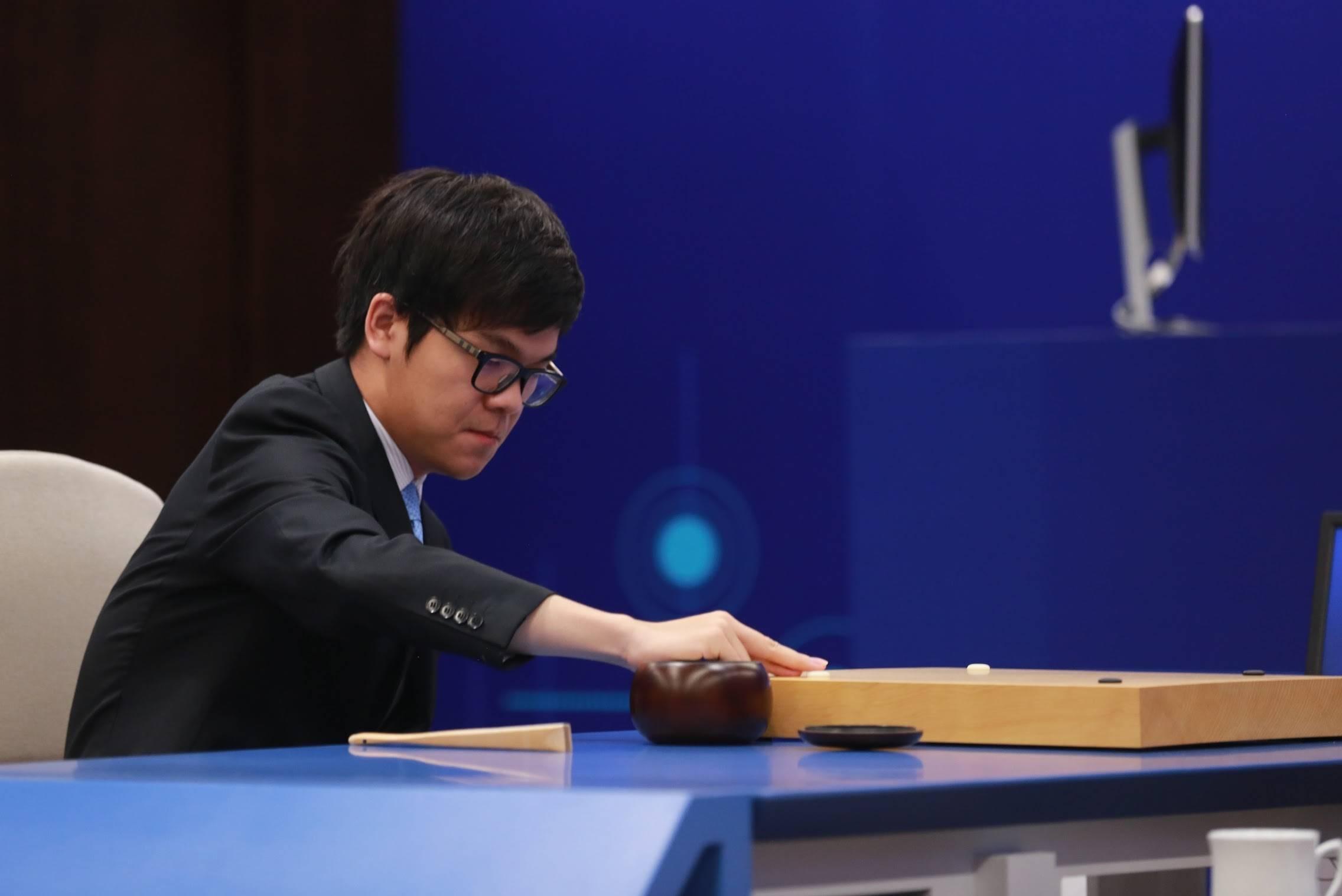 柯洁第二局投子认负,独家专访AlphaGo开发者导师Martin Müller
