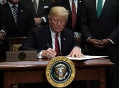 特朗普签订启动美国AI方案,加速与中国、加拿大AI竞赛,争夺举世指导权