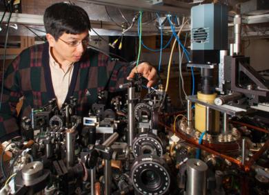 从原子到分子:芝加哥大学华人团队突破性实验登上Nature,打开分子量子计算的大门