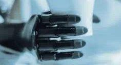 """指尖上的科学带来便利,AI义肢用""""意念""""复原截肢者手指功能"""