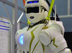 摆脱电缆、可移除四肢,NASA 人形机器人「女武神」替人类奔赴灾难场景