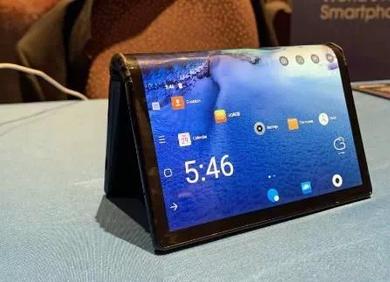 """柔宇科技""""碰瓷""""小米,拉开可折叠屏手机厂商混战的序幕"""