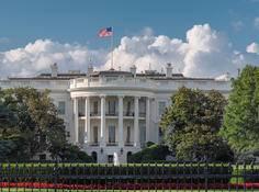 为避免政府过度「插手」,美国白宫提出十条AI监管规范,公众、灵活性、技术风险等成关键词