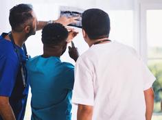 诊断时间缩短一周,AI如何帮医生处理33万张胸片?