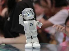 悟空机器人获CES 2019创新奖,优必选大型仿人机器人即将亮相