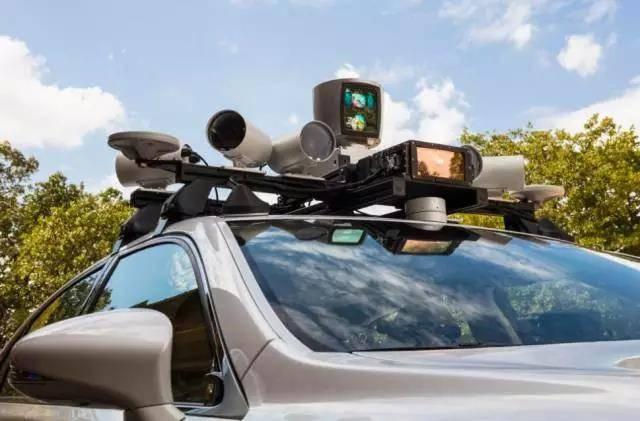 所有自动驾驶研发者都试图削减激光雷达成本时,这家公司竟瞄准了更贵的激光雷达