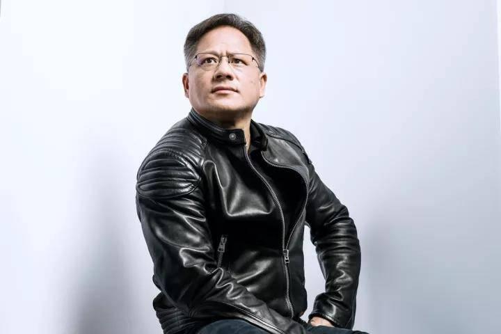 「股价飙到100美元我就纹身」,黄仁勋用十年站在了芯片塔尖