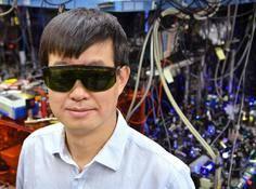 华人物理学家叶军斩获基础物理学突破奖,他的钟150亿年不差一秒