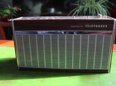 能对话、能讲故事,他用树莓派把1960年代的老式收音机改造成了智能音箱
