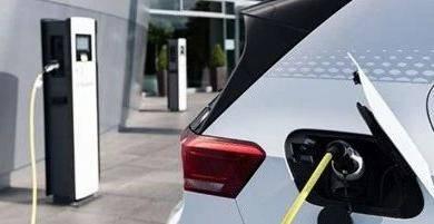 到了2027年,电动汽车将比燃油车更便宜?