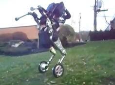波士顿动力透露最新机器人Handle,用轮子取代双足