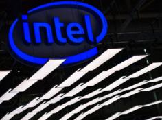 英特尔推出颠覆性架构:3D堆叠芯片,10nm制程明年上市