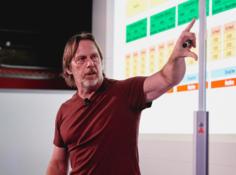 「硅仙人」离开英特尔:芯片总设计师吉姆·凯勒突然辞职,曾带领AMD、苹果逆袭