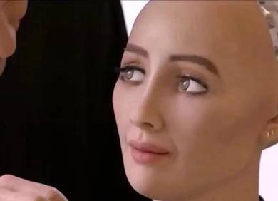 那个声称要毁灭人类的机器人网红